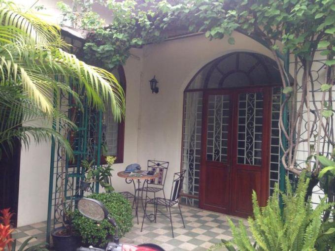 Cho thuê biệt thự quận 3 HXH đường Võ Thị Sáu, trệt, sân vườn rất đẹp, giá : 40 triệu