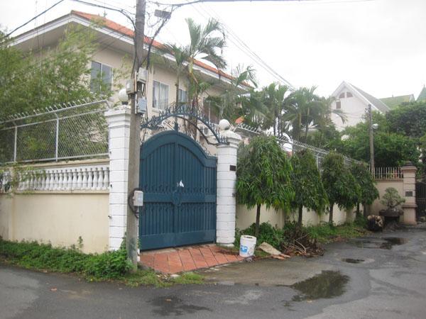 Cho thuê biệt thự quận 3 MT Tú Xương DT: 14x35 trệt 2 lầu,Giá 18000 USD