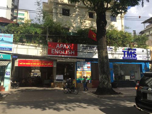Cho thuê mặt bằng Võ Văn Tần, quận 3. Diện tích:18x32, tổng 575 m2 sử dụng. Giá: 10.000 USD