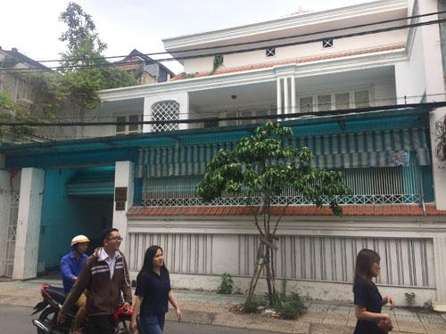 Cho thuê biệt thự Phan Kế Bính, quận 3. Diện tích: 18x21, trệt, 2 lầu, st. Giá: 7.000 USD