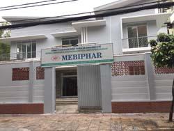 Cho thuê biệt thự mặt tiền Lê Văn Miến quận 2. Nhà trệt, 2 lầu, sân vườn, hồ bơi. DT: 600 m2. Giá: 4000 USD