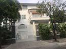 Cho thuê biệt thự mặt tiền Thảo Điền quận 2. Nhà trệt, 2 lầu, sân vườn, hồ bơi. DT: 450 m2. Giá: 4000 USD