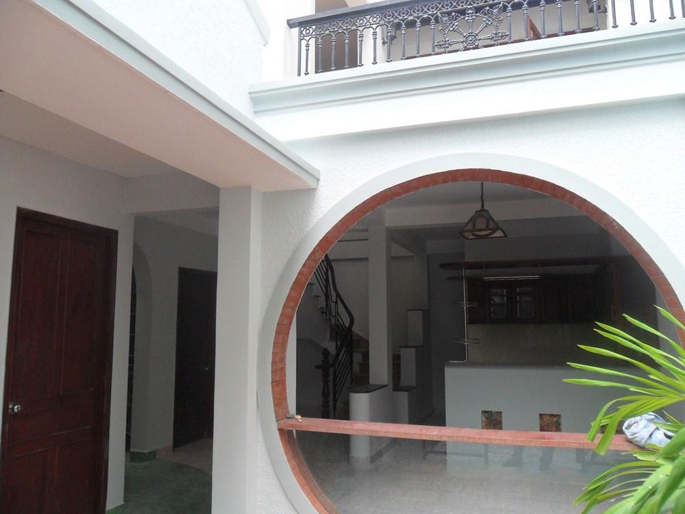 Cho thuê villa quận 3, đường Bàn Cơ DT 8*20 trệt, lầu, giá 1500$