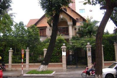 Cho thuê biệt thự quận 3, mặt tiền đường Nam Kỳ Khởi Nghĩa, DT 500m, giá 15,000$